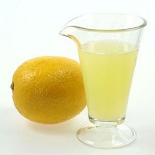 Удаление запаха мочи лимонным соком